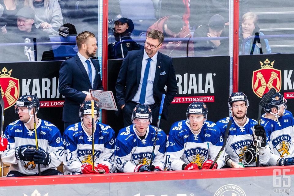 Jukka Jalosella ja Mikko Mannerilla on vielä paljon työmaata Leijonien pelissä.