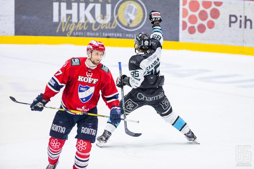 Saarinen tuulettaa ensi kaudella HIFK:n paidassa.