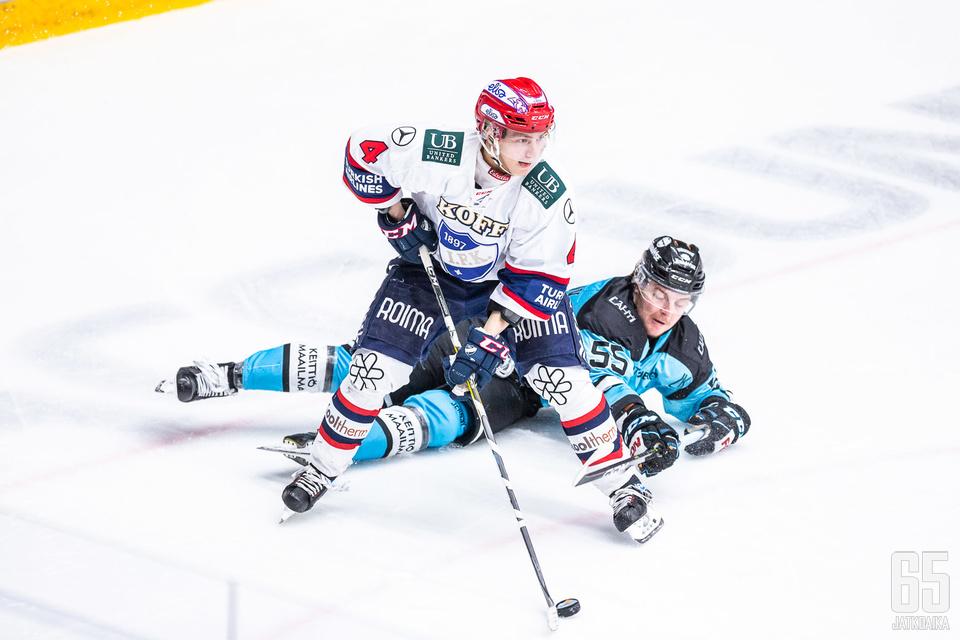 Iikka Kangasniemi säkenöi jälleen kaukalossa ja nousi joukkueensa sankariksi.