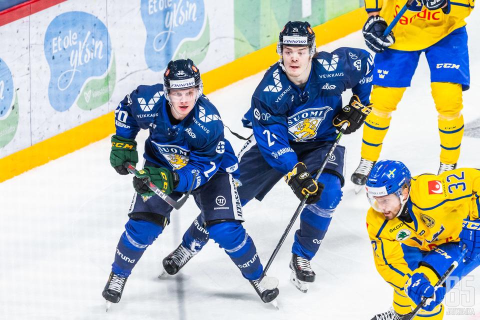Arttu Ruotsalainen ja Ville Leskinen johdattivat Suomen hienoon voittoon.