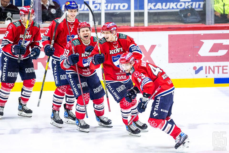 HIFK pääsi juhlimaan kolmea osumaa ja kasvatti etumatkaansa ottelusarjassa.