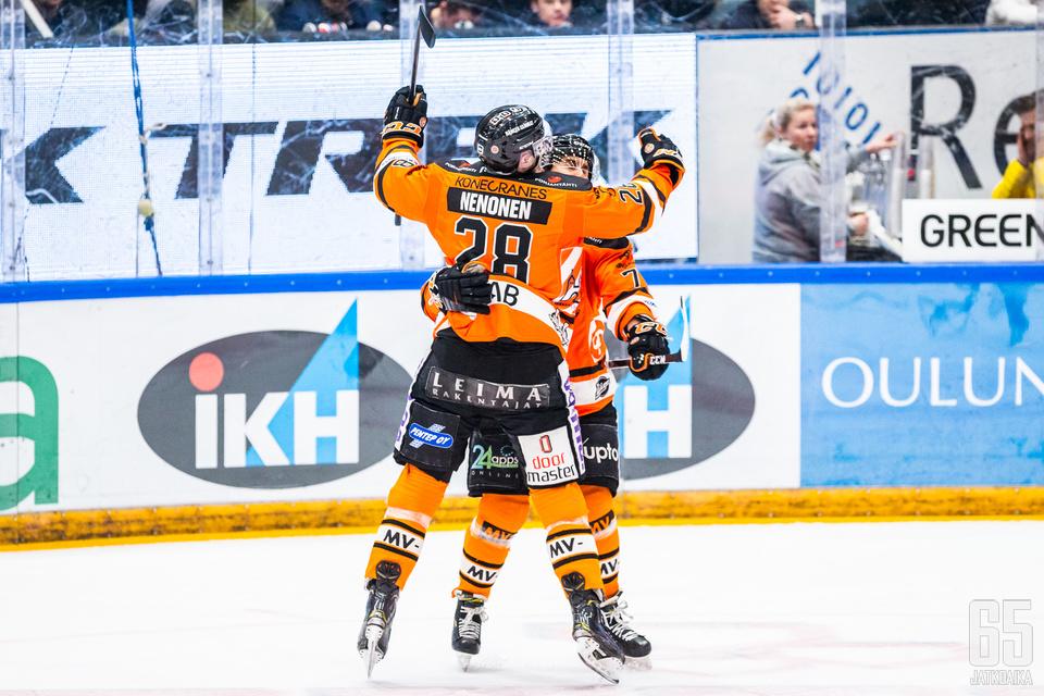 Markus Nenonen pääsi tykittämään kultajuhlat käynnistäneen maalin jatkoerässä.