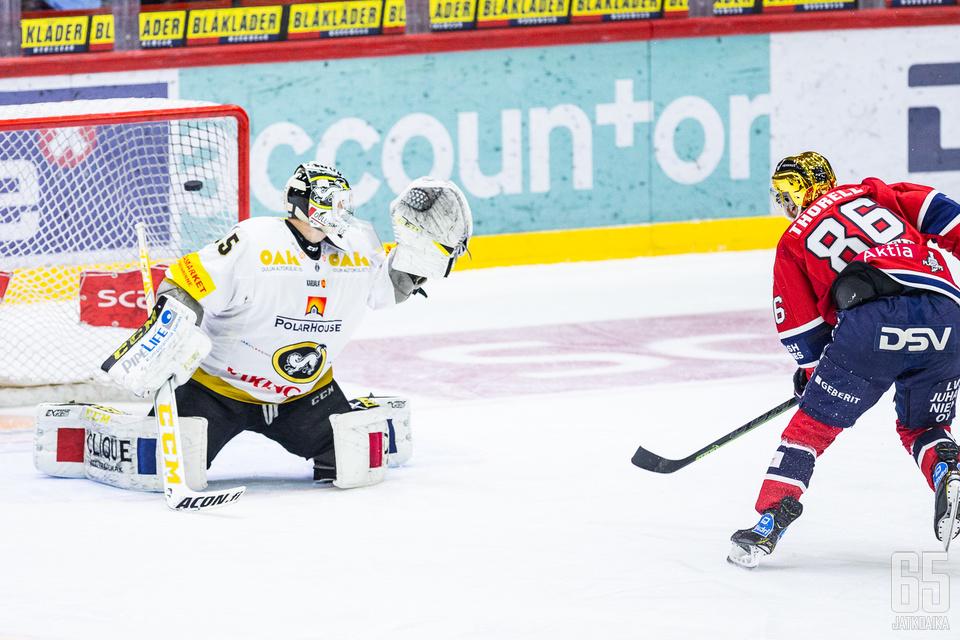 Erik Thorellin läpiajosta viimeistelemä osuma oli ottelun voittomaali.