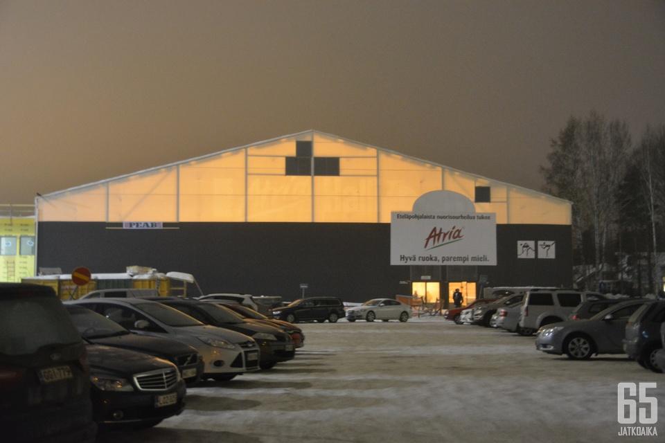 Väliaikainen jäähalli jo vuodesta 1985