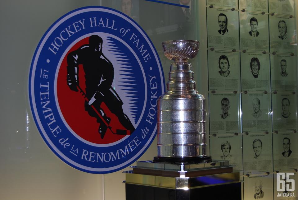 Stanley Cupia säilytetään tällä hetkellä yleisöltä suljetussa Hockey Hall of Famessa.