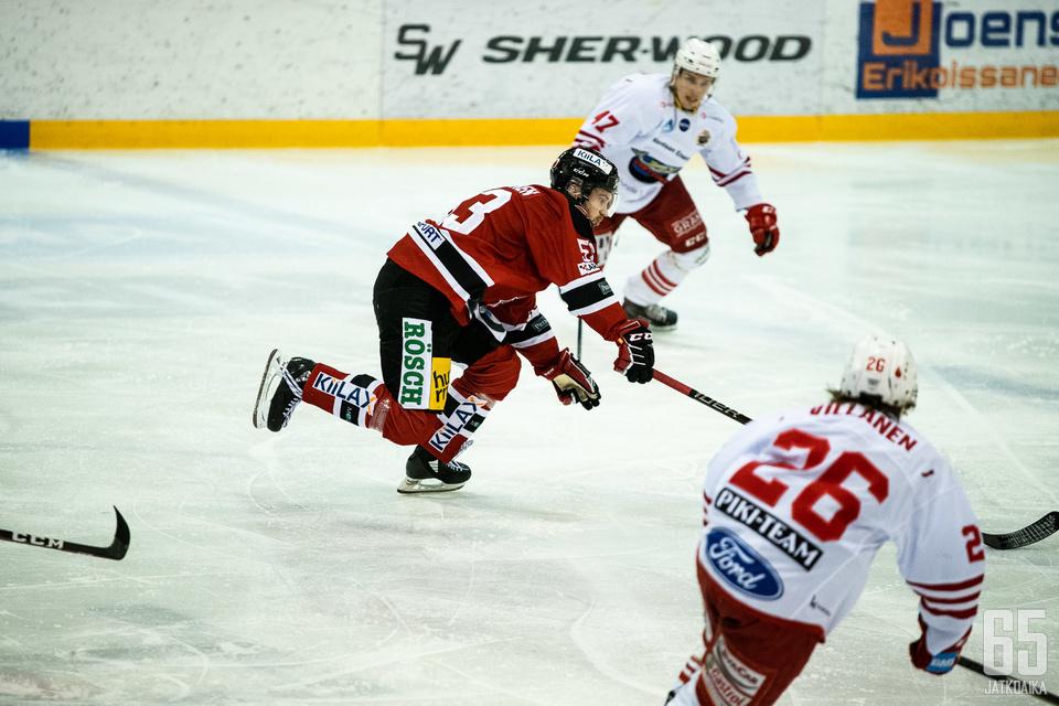 Saku Kivinen iski koko Mestiksen ensimmäisen kypärätempun tällä kaudella ja johdatti jokipojat 8-6 kotivoittoon.