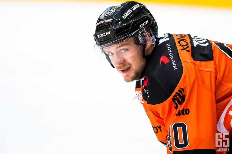 Teemu Turunen ratkaisi voittomaalikilpailun.