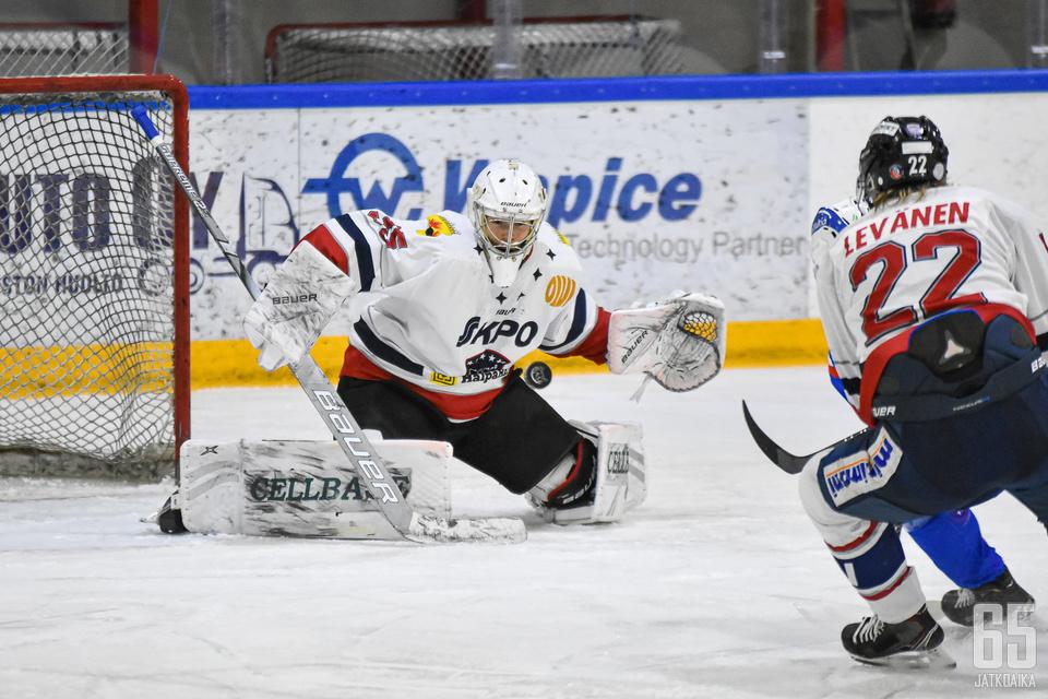 Vilho Heikkinen torjui tänään uransa ensimmäisen nollapelin Mestiksessä.