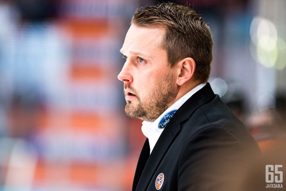 """Antti Pennanen ja """"tonnin seteli""""."""