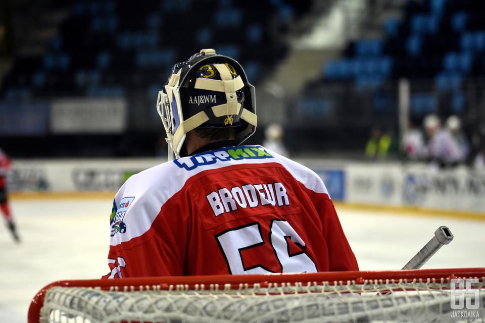 Viime kaudella Hokiklub Budapestin maalia vartioi Jeremy Brodeur.