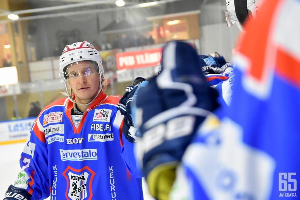 Juuso Mörsky johdatti KeuPan välieriin kahdella maalillaan.