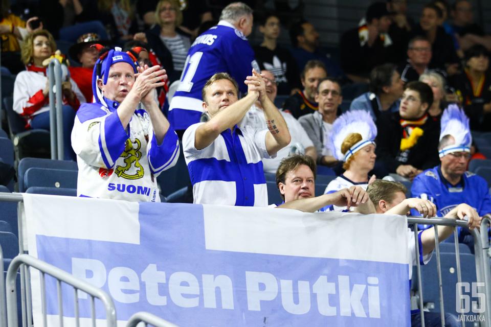 Suomi, Suomi! -huudot kaikuivat Kölnissä.