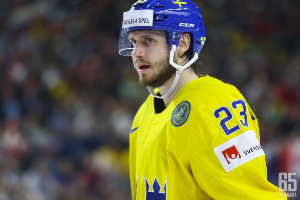 Ekman-Larsson omisti MM-kullan menehtyneelle äidilleen.