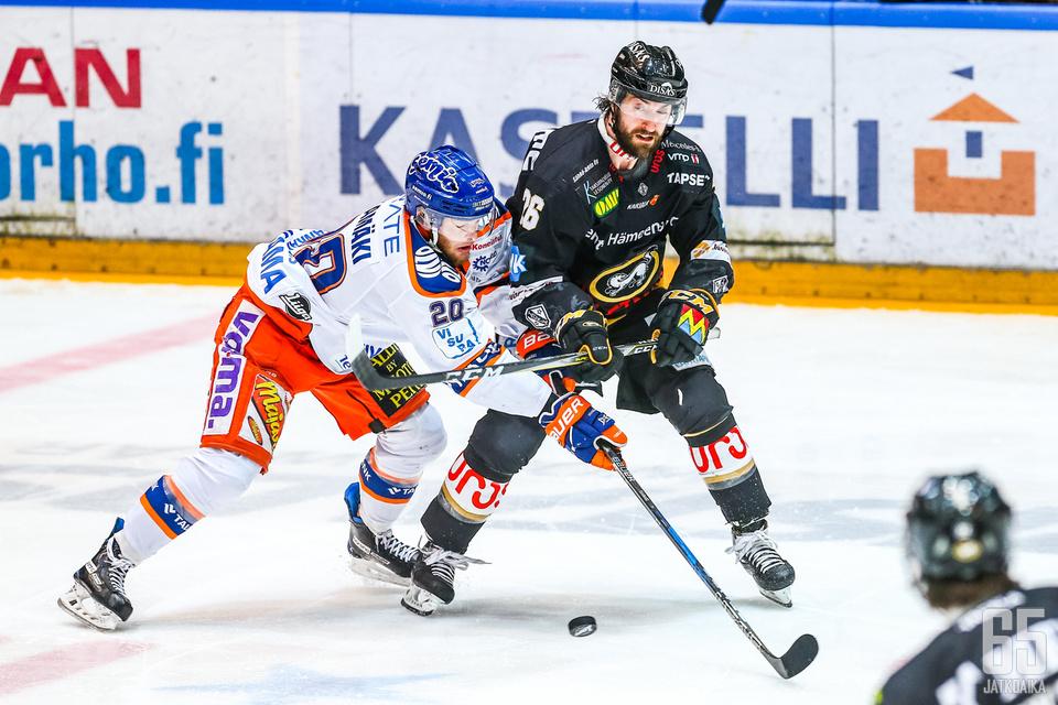 Niko Ojamäki teki kaksi maalia ja oli Tapparan parhaimmistoa.