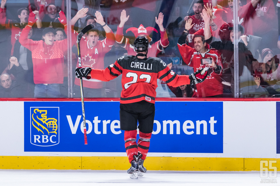 Cirelli huudatti kanadalaiskannattajia jo ensimmäisessä erässä.