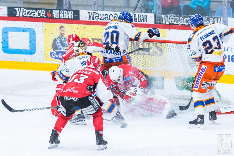 Mika Järvinen oli Sportin maalilla erinomainen.