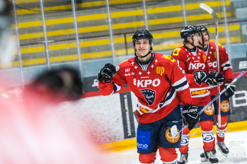 Blomberg on viime kaudet pelannut Hermeksessä.
