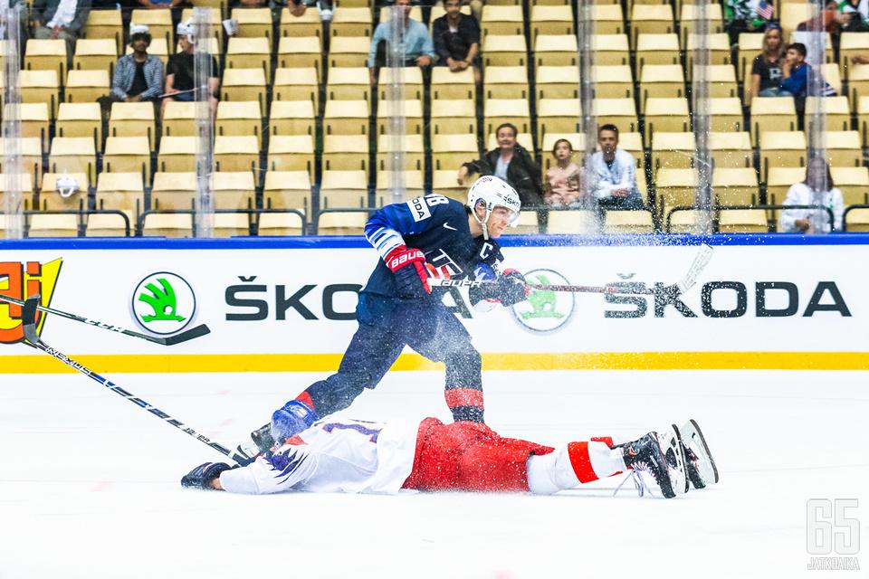 Patrick Kane teki kaksi maalia Tšekkiä vastaan.