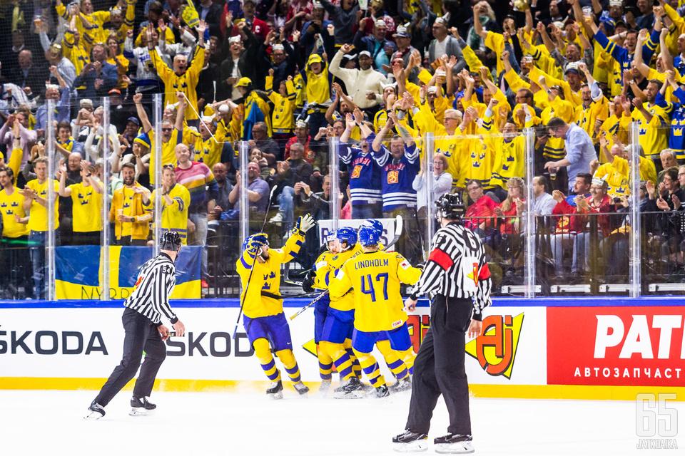 Ruotsin kannattajilla oli lauantaina syytä juhlaan.