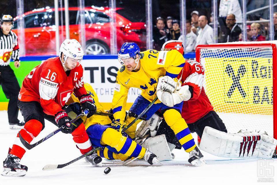 Ruotsi sai useasti laitettua vähintään kaksi pelaajaa maskiin.