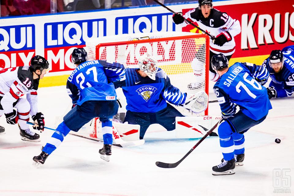 Suomi oli hyvässä iskussa kisojen avauksessa.