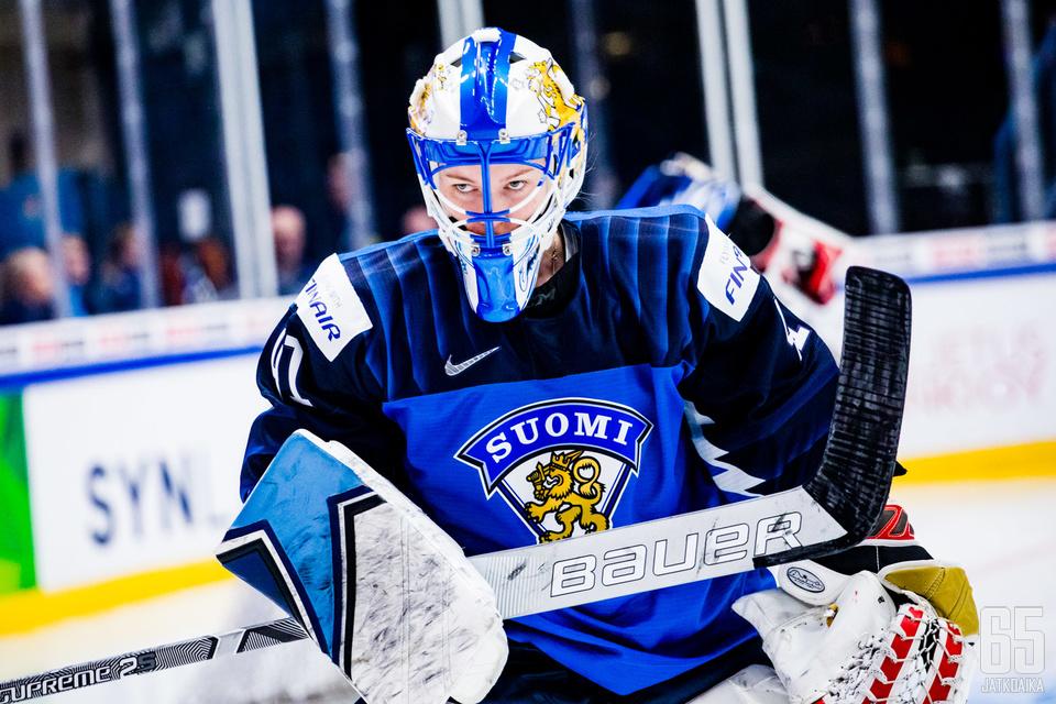 Suomen pitkäaikainen ykkösmaalivahti Noora Räty oli mukana joukkueessa.