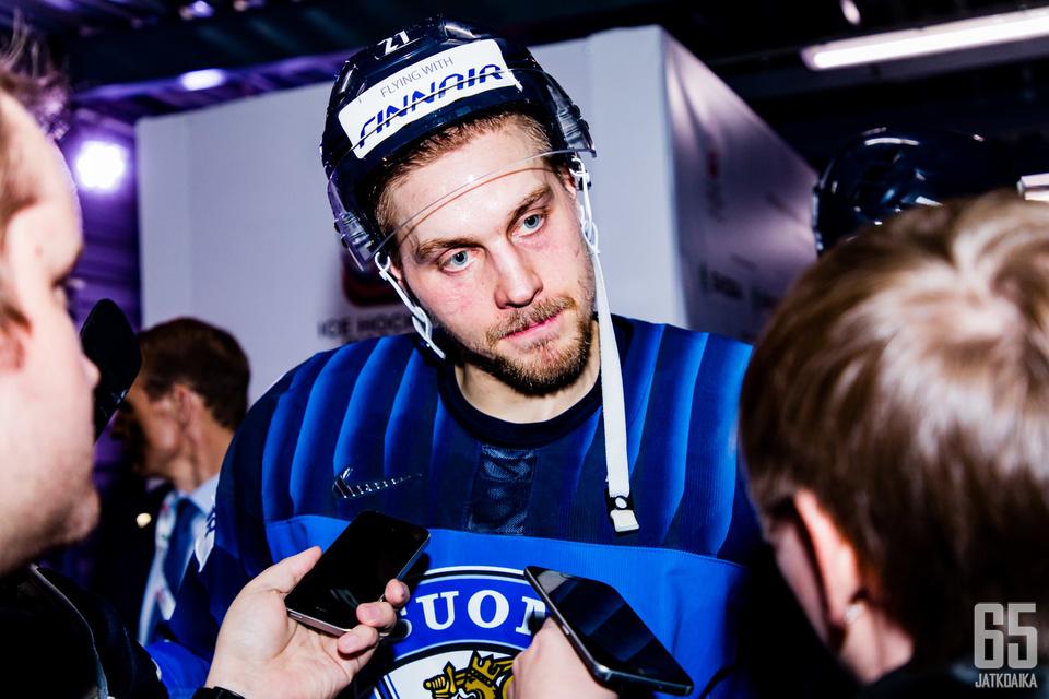 Iso-Britannia-ottelun jälkeen Juhani Tyrväinen vastasi median kysymyksiin.