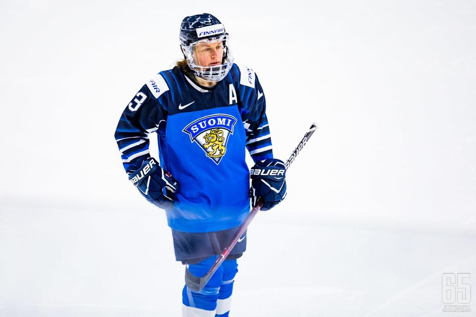 Riikka Sallinen lopetti peliuransa viime keväänä 46-vuotiaana.