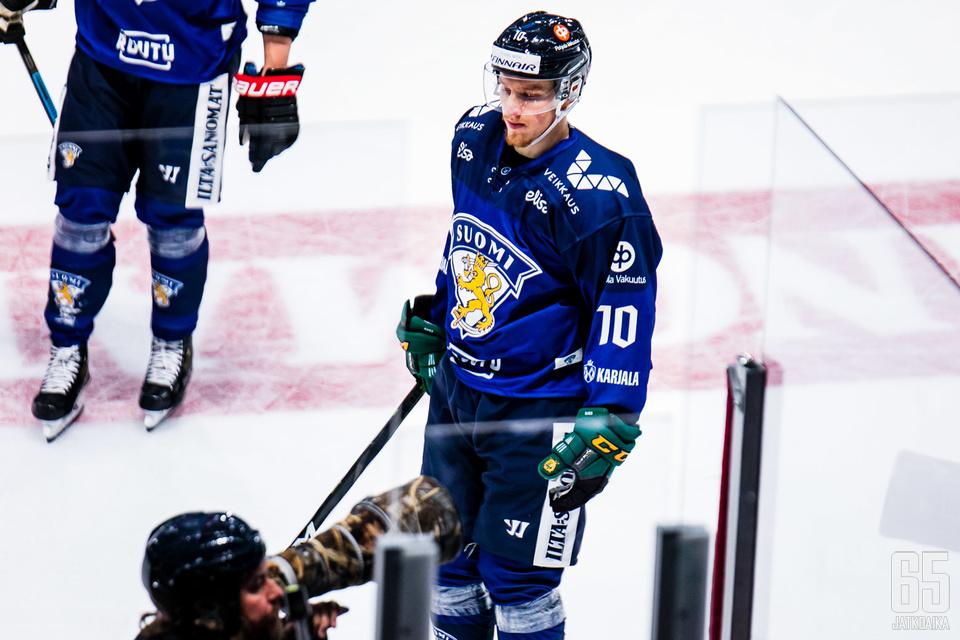 Eemeli Suomi ohjasi Leijonille 3−1-maalin, joka kuitenkin hylättiin maalivahdin häirintänä.