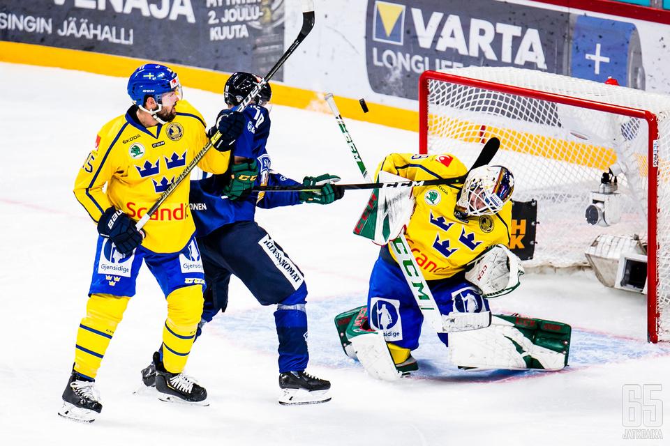 Tätä Eemeli Suomen tekemää maalia ei lopulta hyväksytty sunnuntaina.