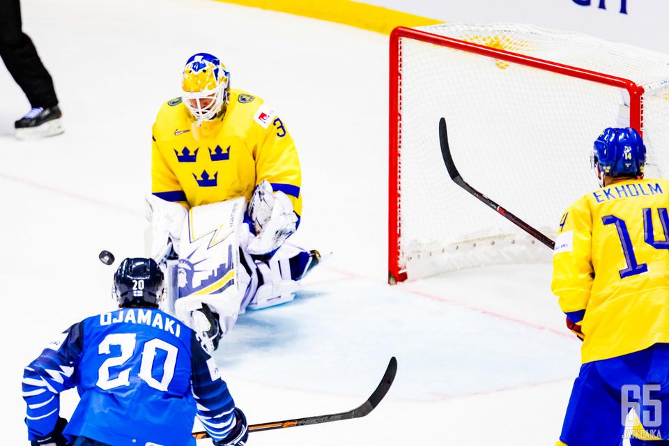 Suomi tiputti Ruotsin puolivälierässä.