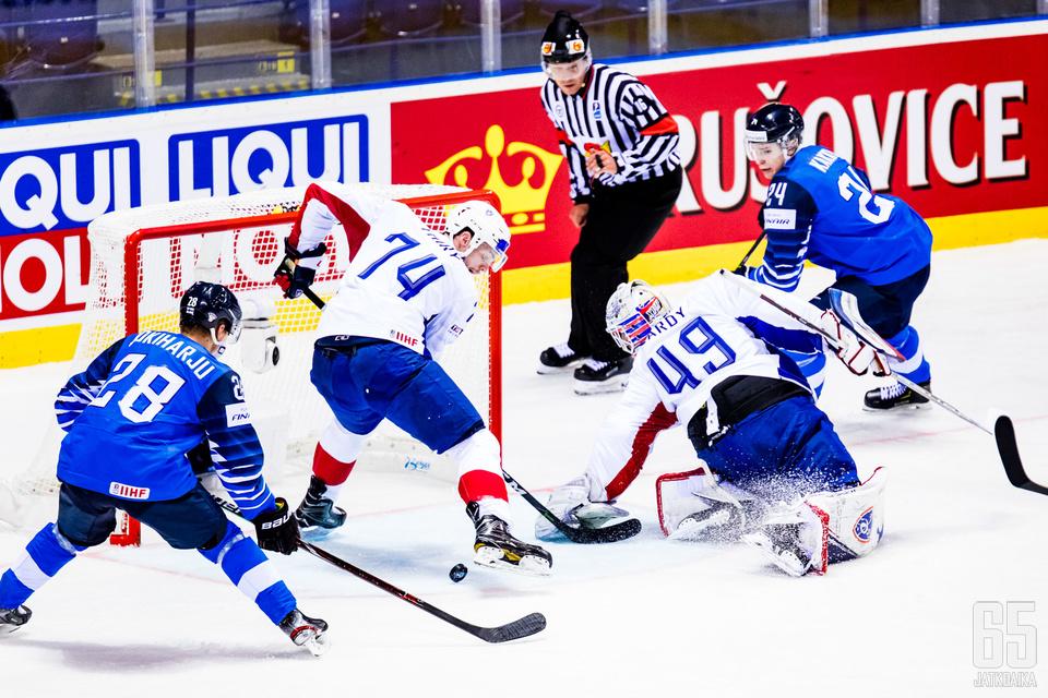 Tämä tilanne ei tuonut maalia, mutta se ei Suomea haitannut.