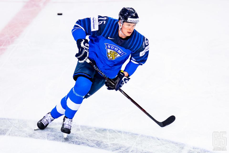 Jere Salilinen pelasi Tanskaa vastaan poikkeuksellisesti sentterinä.