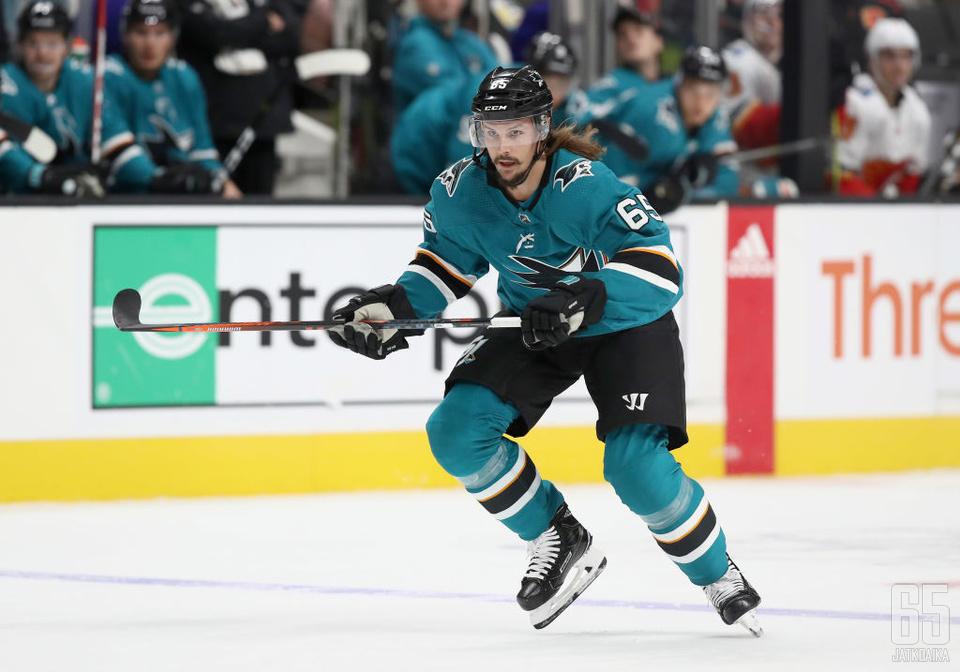 Erik Karlsson johtaa alkavalla kaudella Sharks-puolustusta, minkä myötä Senatorsilla on NHL:n heikoin puolustuskalusto.