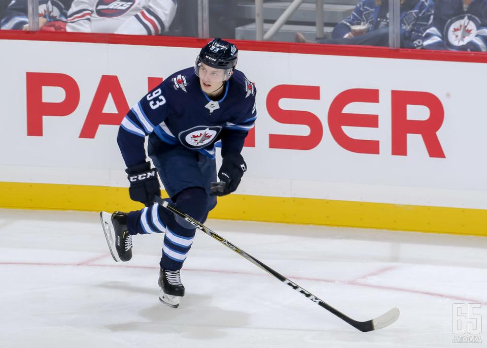 Vesalainen on päässyt NHL-jäille viidessä runkosarjaottelussa.