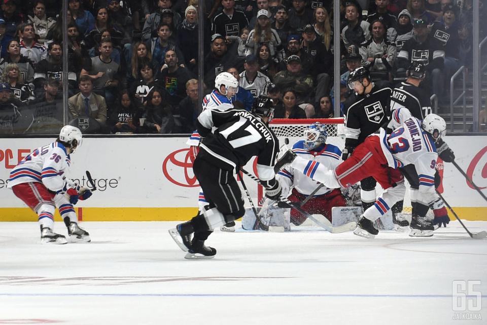 Ilja Kovaltshuk vietti kolmen pisteen iltaa New York Rangersin kustannuksella.