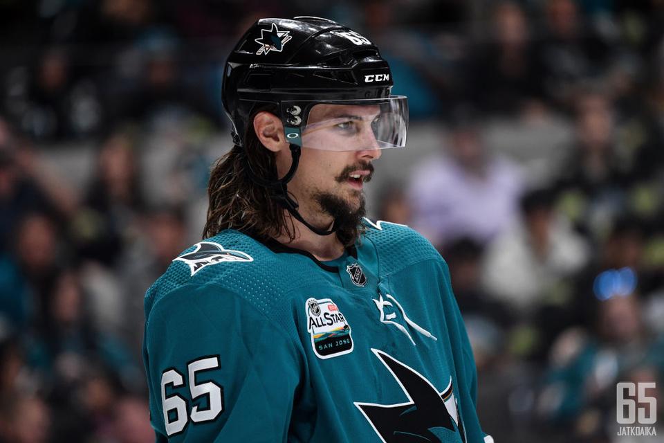 Karlsson kärsii nivusvammasta.