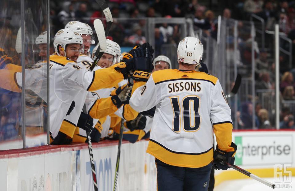 Predatorsin alempien ketjujen työteliäs hyökkääjä Colton Sissons iski hattutempun ottelussa Avalanchea vastaan.