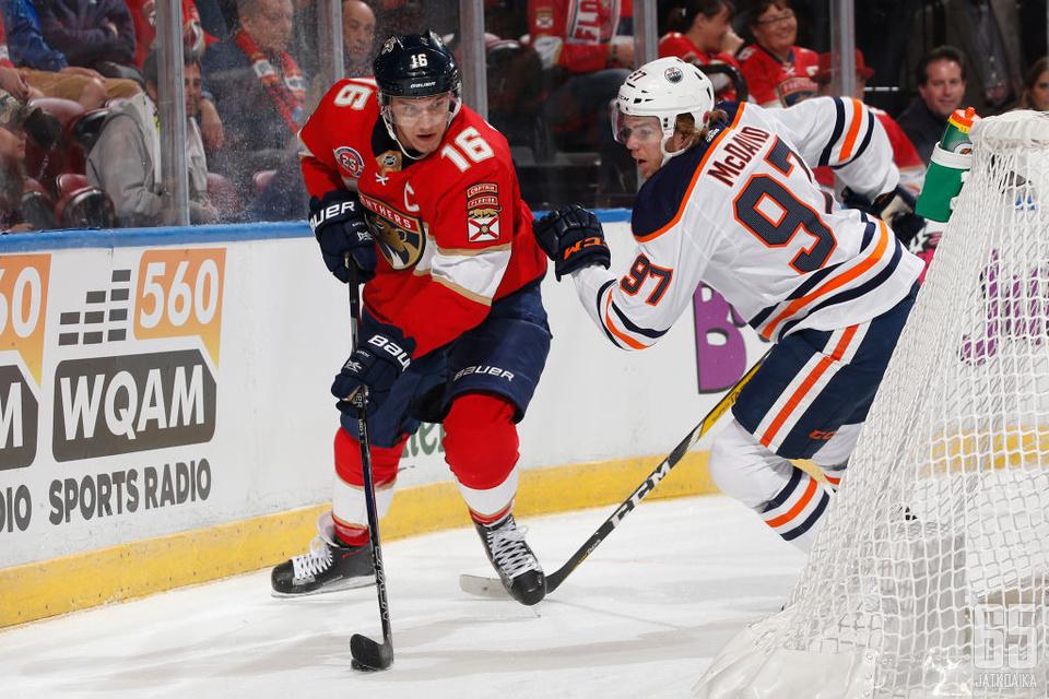 Barkov äänestettiin NHL:n aliarvostetuimmaksi pelaajaksi, McDavid parhaimmaksi hyökkääjäksi.