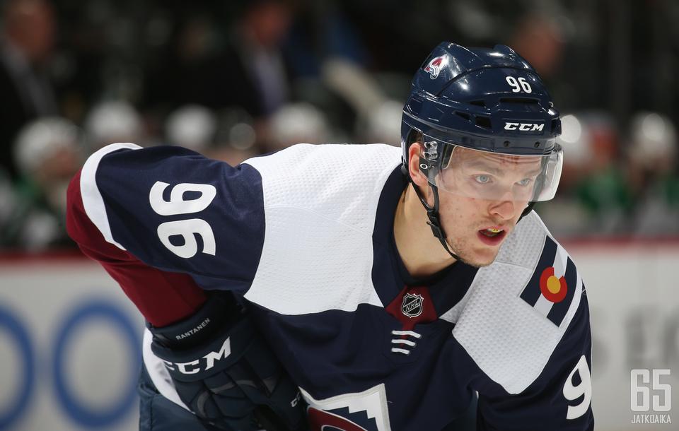 Mikko Rantanen on NHL:n pistekuningas kauden ensimmäisen kolmanneksen päättyessä.