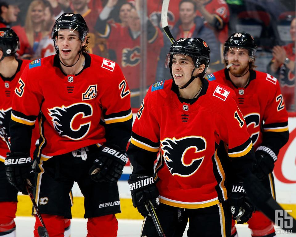 Calgary Flamesin ykkösketju Johnny Gaudreau, Sean Monahan ja Elias Lindholm on NHL:n tehokkain kolmikko.