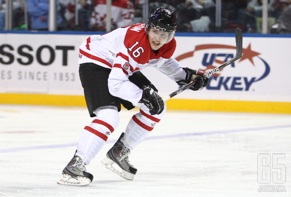 Hamilton esiintyi Kanadan paidassa alle 20-vuotiaiden MM-kisoissa 2011.