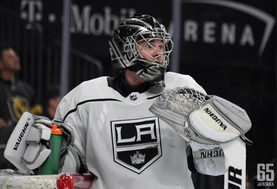 Jack Campbellin ura jatkuu Maple Leafsin riveissä.