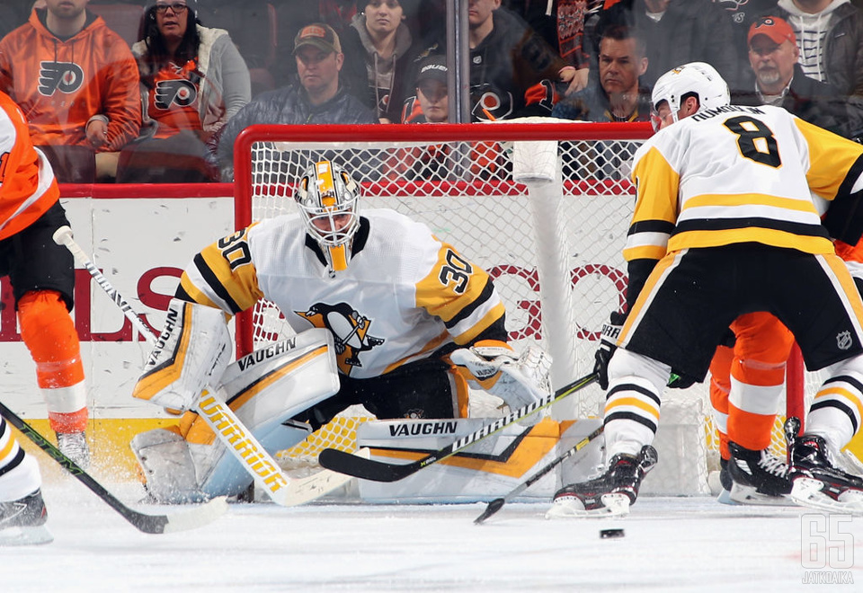 Matt Murray torjui 50 kertaa, kun Penguins kaatoi vieraskaukalossa Flyersin.