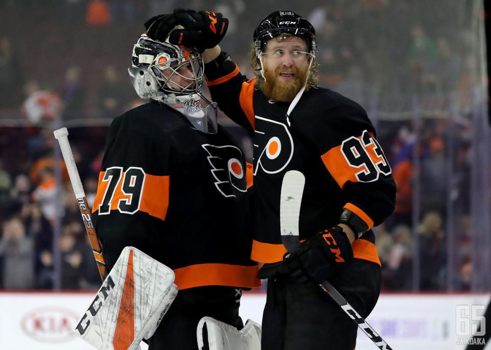 Carter Hart sai Flyersin kurssin kääntymään hetkellisesti jo viime kaudella.