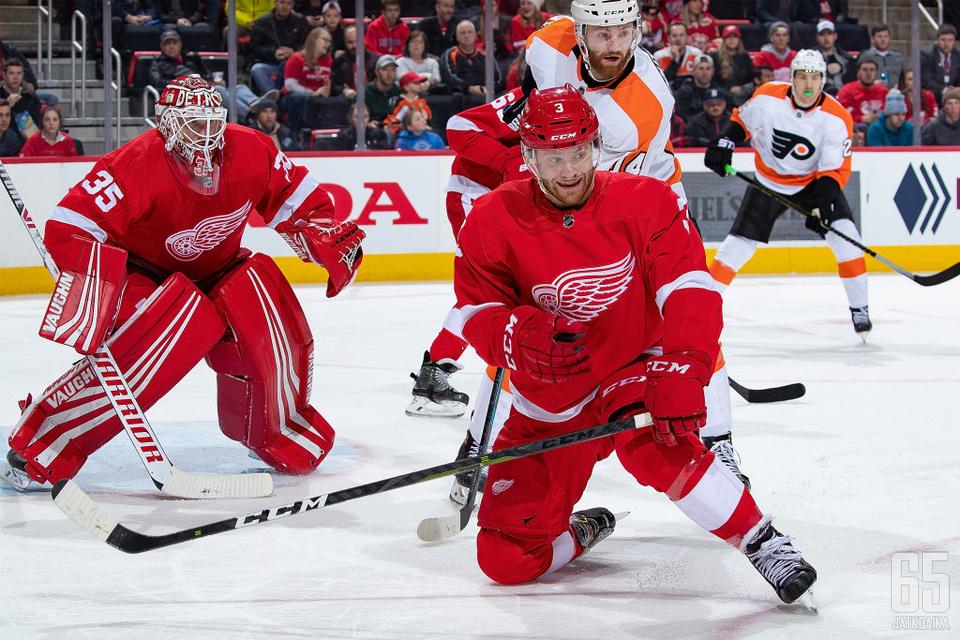 Jensen on edustanut Detroit Red Wingsiä kaudesta 2016−17 asti.