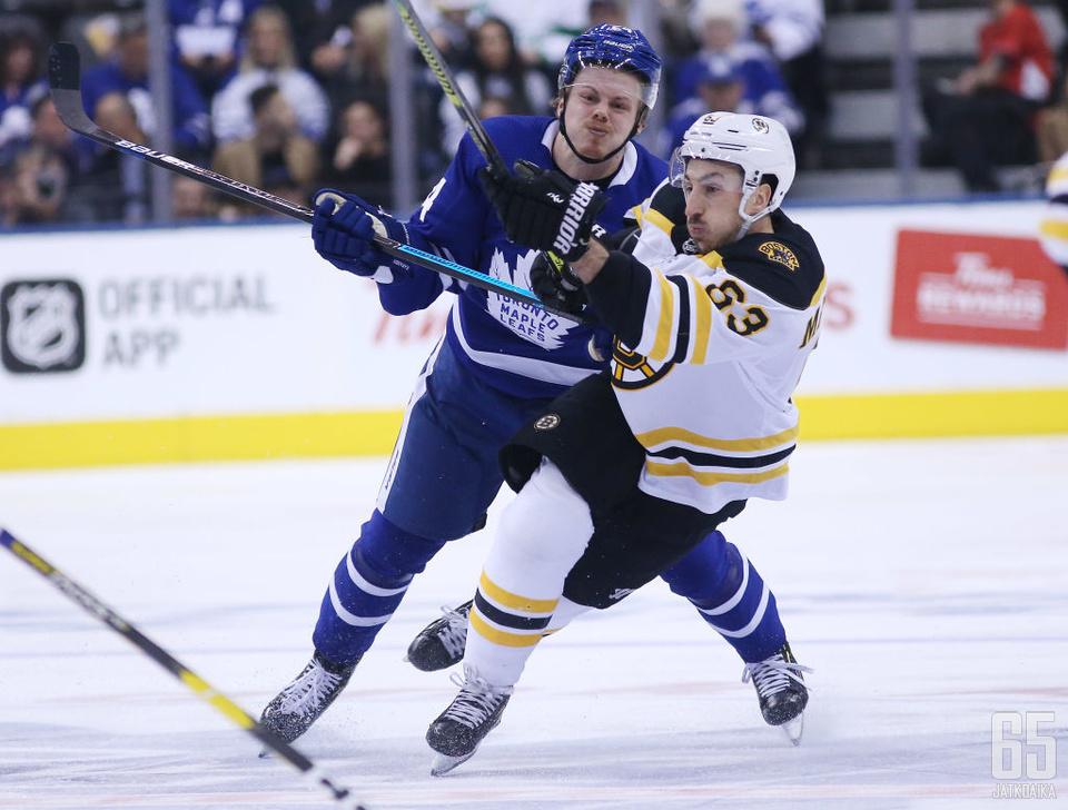 Marchand saavutti merkkipaalun ottelussa Toronto Maple Leafsia vastaan.