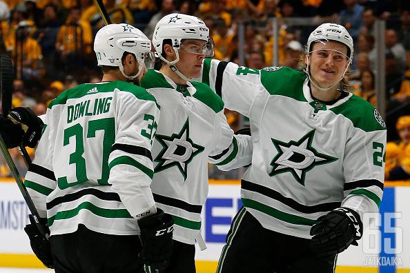 Dallas Starsin suomalaisista erityisesti Miro Heiskasella ja Roope Hintzillä on ollut viime aikoina syytä hymyillä.