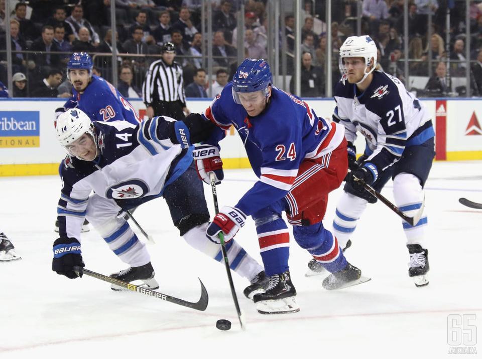 Ville Heinola hakee pelituntumaa AHL:n puolelta.