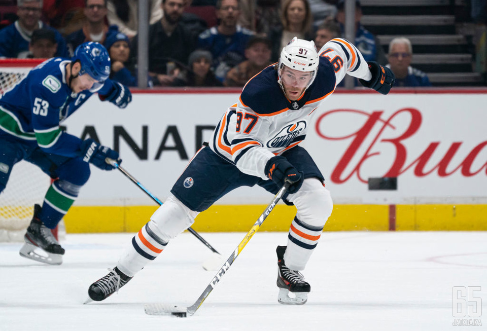 Luistelunopeudellaan häikäisevä Connor McDavid on iso osa NHL:n pelin kehitystä.